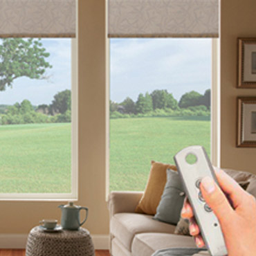 Motorized shades manufacturer wholesaler miami fl for Bali blinds motorized remote control